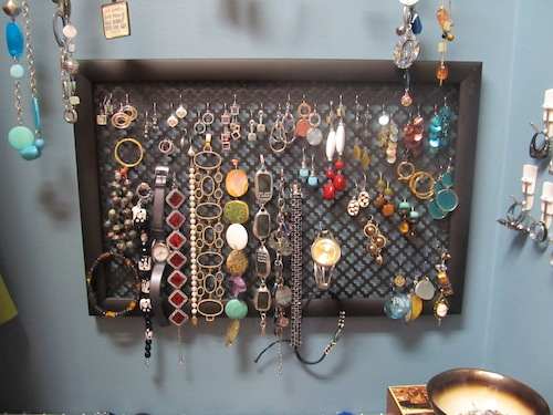 simple DIY earring display
