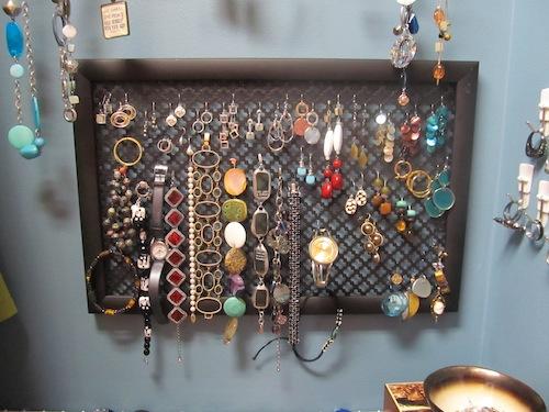 simple DIY earring display