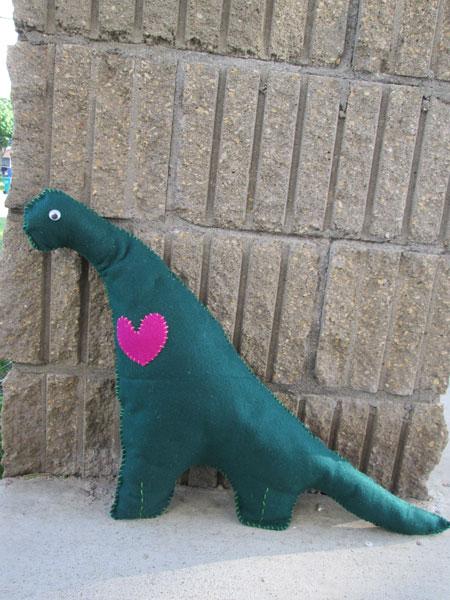 DIY Felt Dinosaur Stuffie