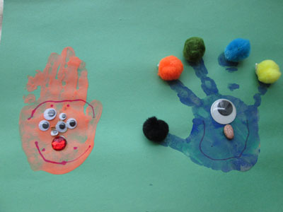 Halloween Hand Print Crafts: Hand Print Monsters