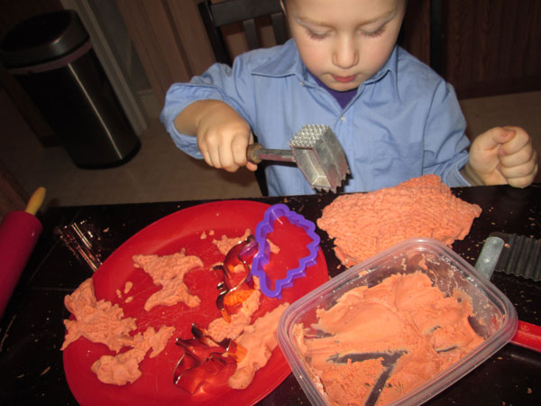 A Thrifty Mom's Guide to Play Dough: Having Fun