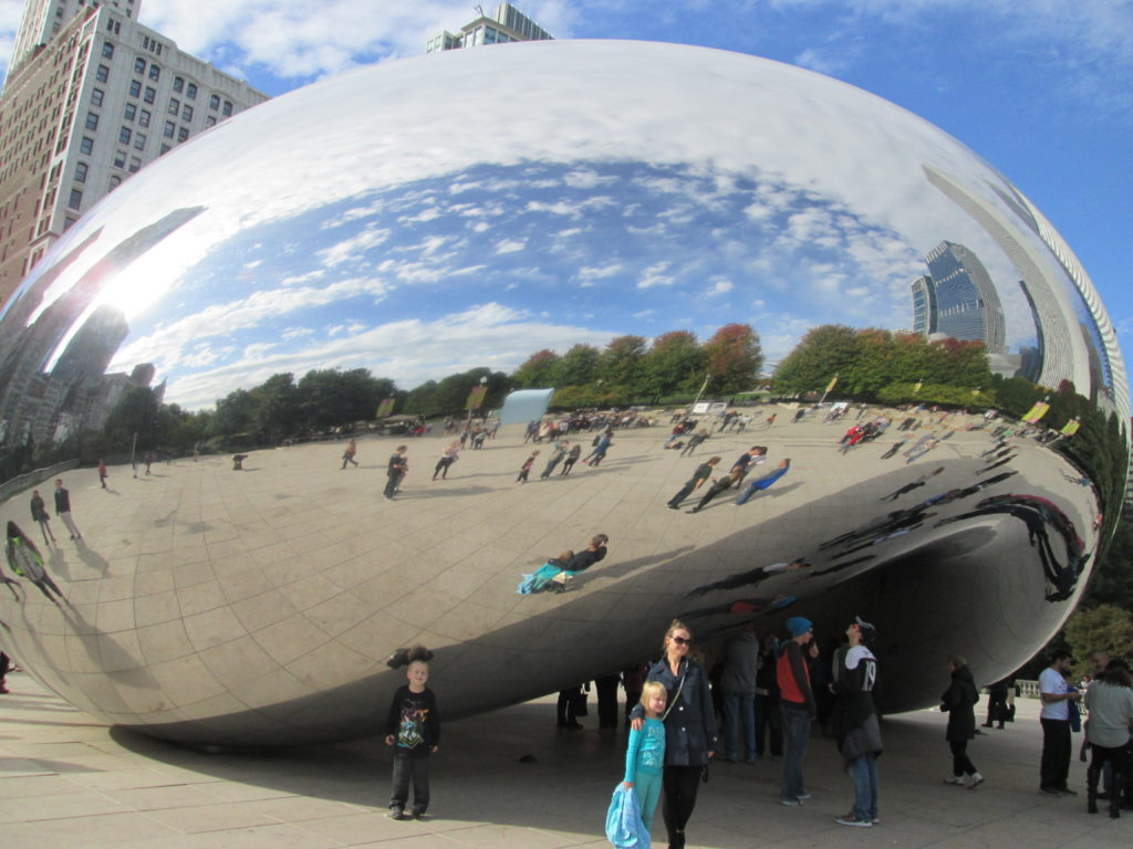 "Chicago Weekend On a Budget: Cloud Gate ""The Bean"""