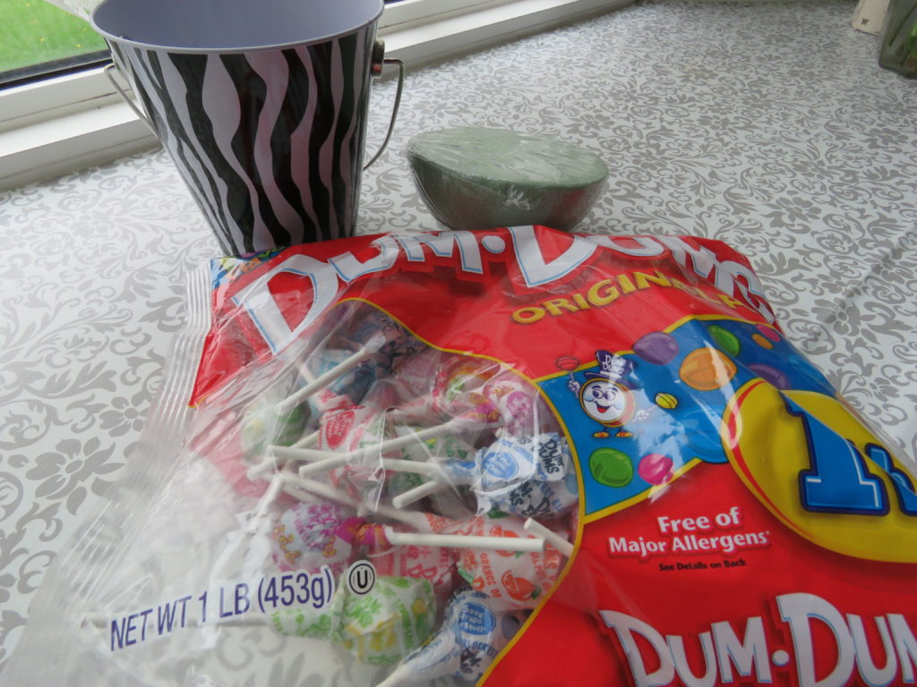 Supplies for the lollipop bucket