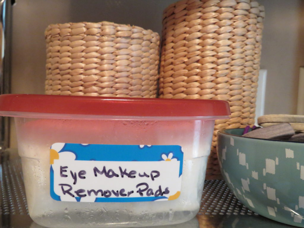 DIY Natural Eye Makeup Remover